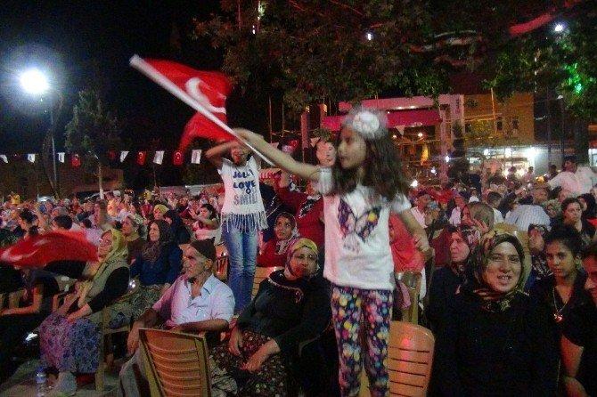 Bayır Bucak Türkmenleri de demokrasi nöbetine destek verdi
