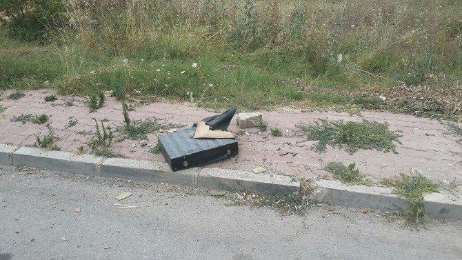 Bilecik'te şüpheli çanta fünye ile patlatıldı