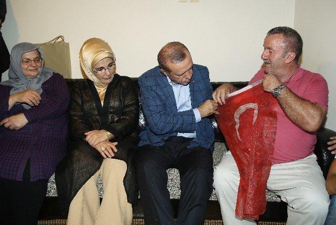 Cumhurbaşkanı Erdoğan, demokrasi şehidinin ailesini ziyaret etti