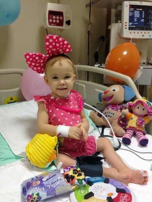 4 yaşındaki Sofia Türkiye'de organ nakli oldu