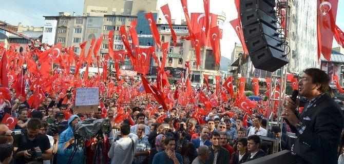 """""""Cihan yıkılsa emin ol bu cephe sarsılmaz, Dadaşlara minnettarız."""""""