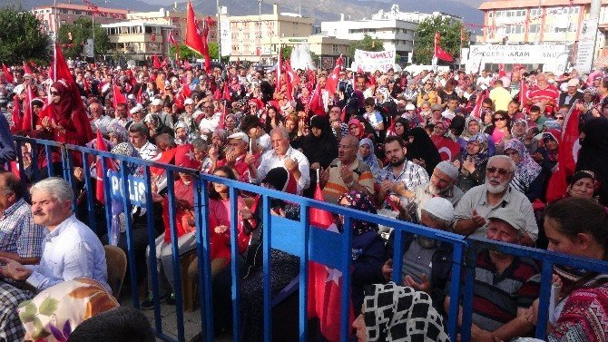 Erzincan halkı demokrasi ve şehitler mitinginde buluştu