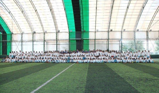 Küçükçekmece'nin futbolcu fabrikası