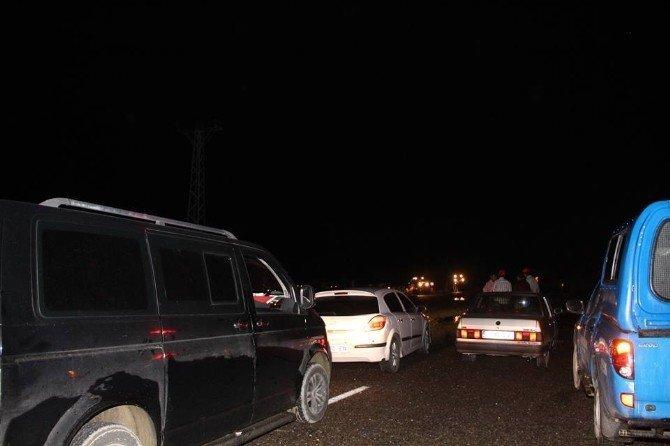 Toprak yığını Erzurum-Artvin karayolunu trafiğe kapadı