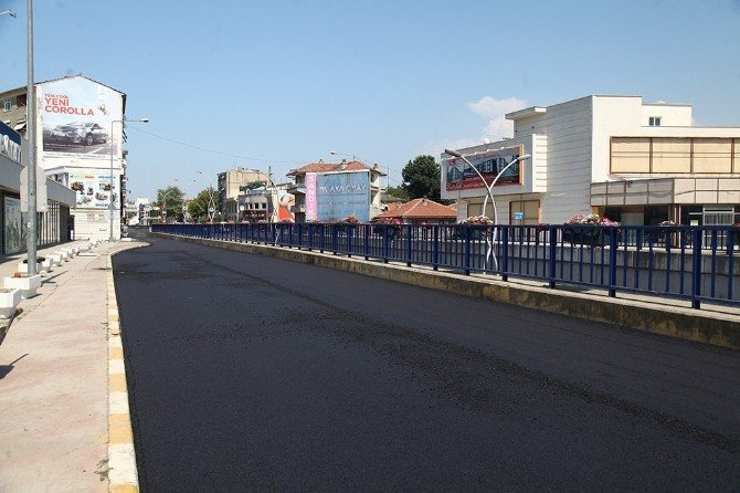 Adnan Menderes Caddesi'nde dönüşüm başladı