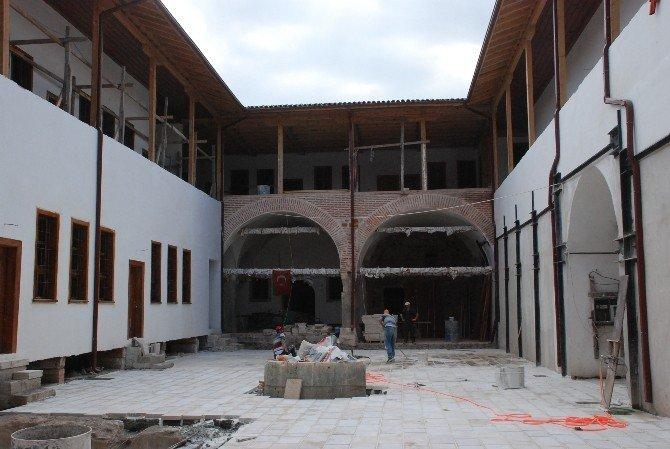 Yazmacılar Hanı'nda restorasyon çalışmaları 4 milyon TL'ye mal oldu
