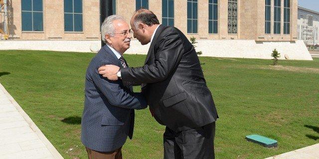 Erzurum Valisi Azizoğlu'ndan ETÜ'ye Ziyaret