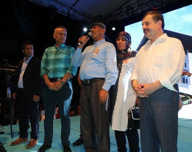 Şehit Ömer Halisdemir'in babası demokrasi nöbetine katıldı