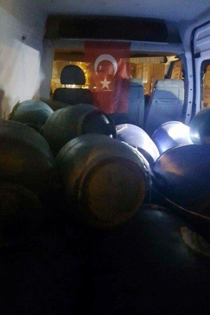 Tatvan'da bomba yüklü araç yakalandı