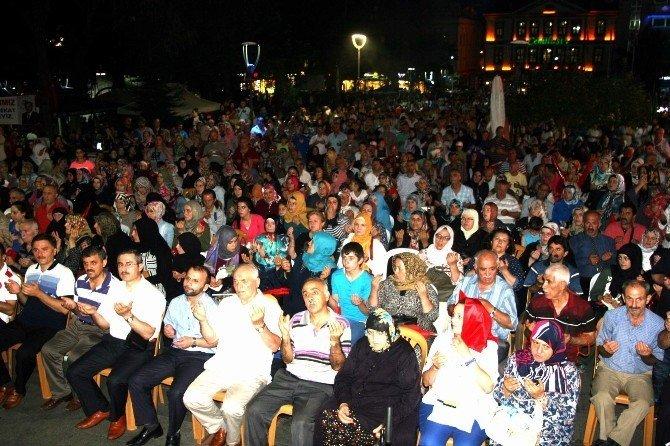 """Trabzon'da son """"demokrasi nöbeti""""nde vatandaşlar alanı doldurdu"""