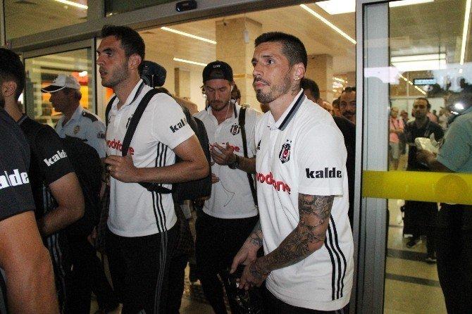 Beşiktaş Kafilesi Süper Kupa finali için Konya'da
