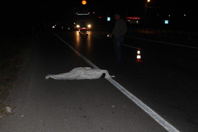 Otomobilin çarptığı genç, hayatını kaybetti
