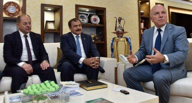 Bakanlar Akdağ ve Eroğlu'ndan Başkan Sekmen'e ziyaret