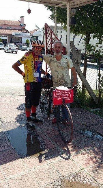 Milli bisikletçi demokrasi için yollarda