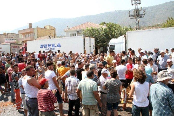 Ölümlü kazaları protesto eden vatandaşlar karayolunu 4 saat kapattı
