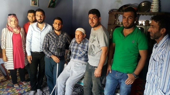AK Partili gençler yaşlılara umut olmaya devam ediyor