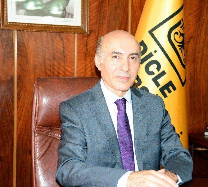 Dicle Üniversitesi'nin yeni rektörü görevi devraldı