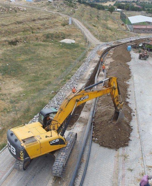 Uzunpınar'daki 40 yıllık alt yapı yenileniyor