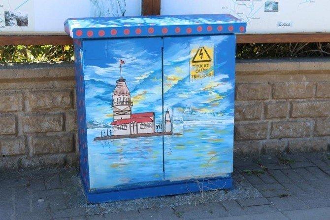 Akçakoca'da peyzaj çalışmaları kentin birçok noktasında hissediliyor