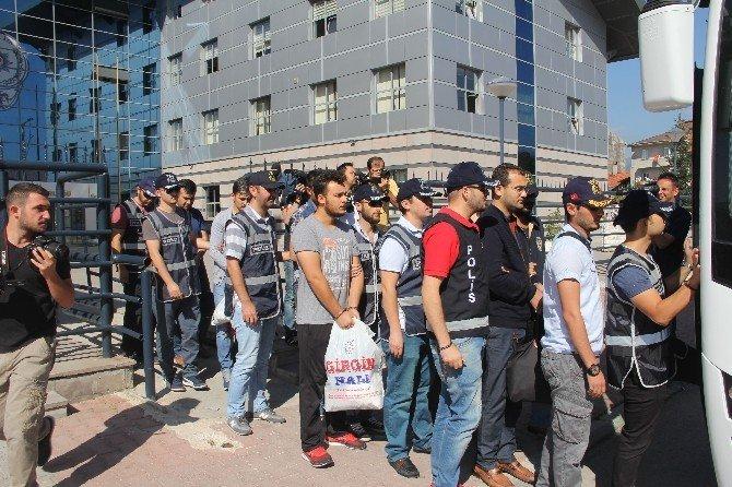 Bolu'da 12 FETÖ şüphelisi polis adliyeye sevk edildi