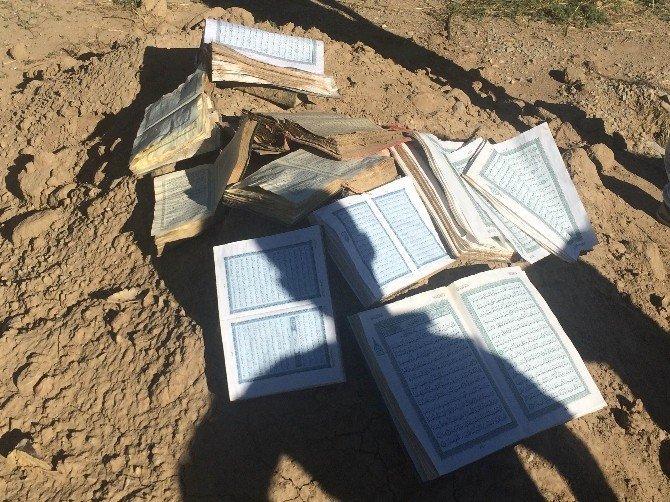 Çukurdan onlarca Kur'an-ı Kerim çıktı