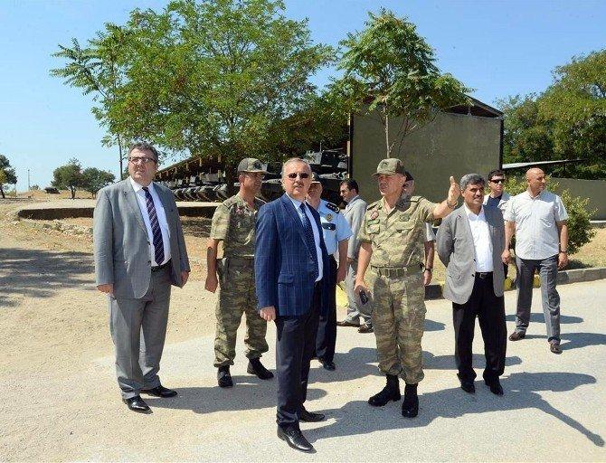 Edirne Valisi Özdemir, Mehmetçiklerle karavana yedi