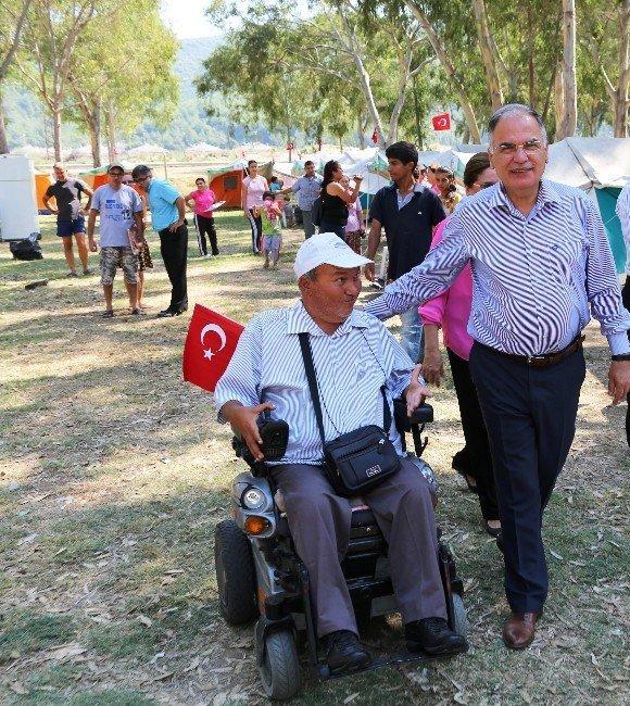 """Engelli vatandaşlar, Pamucak'ta """"Engelsiz"""" Kampa giriyor"""
