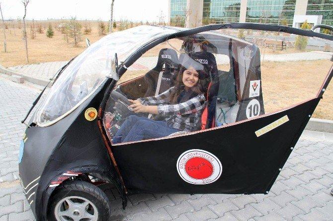 Yozgat'ta üniversite öğrencileri yerli elektrikli otomobil üretti