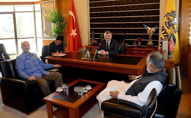 Pakistanlı parlamenterler destek ziyareti için Konya'da