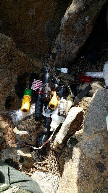 Hatay'da terör örgütüne ait çok sayıda malzeme ele geçirildi