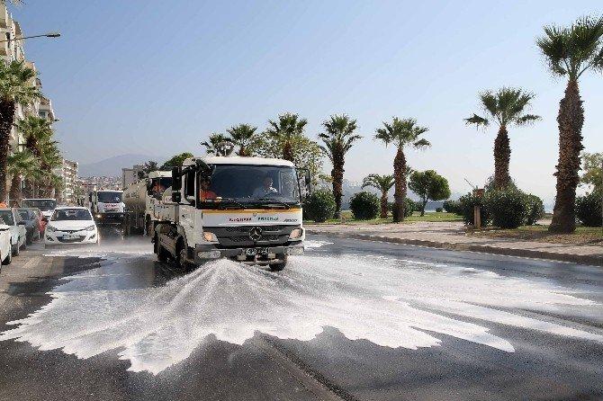 Karşıyaka'da, tüm mahallelerde temizlik harekatı
