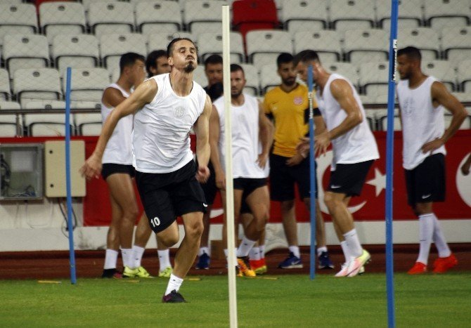 """Morais: """"Osmanlıspor maçında 3 puan almak istiyoruz"""""""