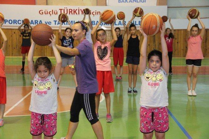 Nevşehir'de yaz spor okullarına 4 bin 530 öğrenci katılıyor