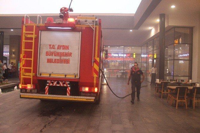 Nazilli'de AVM'den dumanlar yükseldi