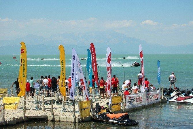 Türkiye Su Jeti Şampiyonası 4. ayağı Beyşehir'de başladı