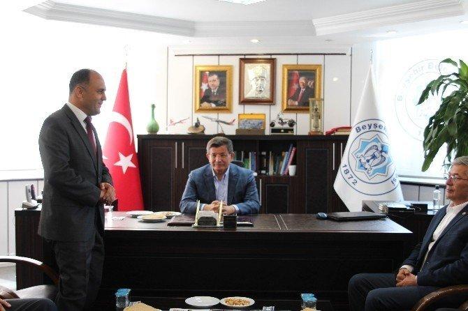 Davutoğlu'dan Beyşehir Belediyesi'ne ziyaret