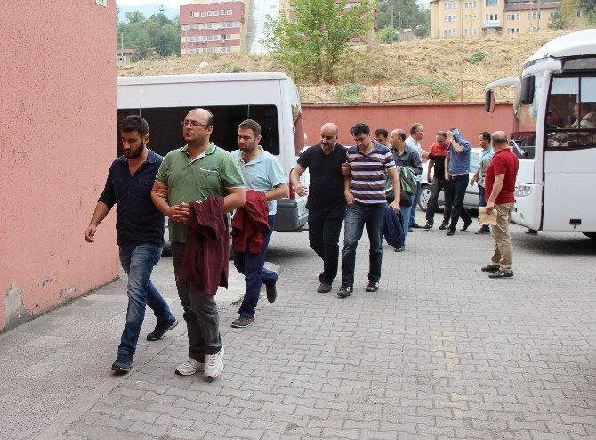 Karabük'te 28 emniyet mensubu adliyeye sevk edildi
