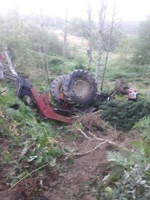 Devrilen kepçenin altında kalan sürücü hayatını kaybetti