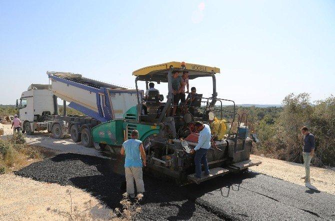 Erdemli Belediyesi asfalt çalışmalarını sürdürüyor
