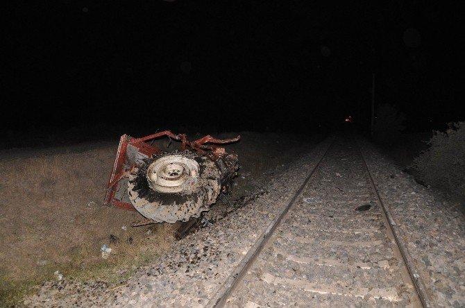 Sivas'ta Raybüs, traktöre çarptı: 2 çocuk öldü