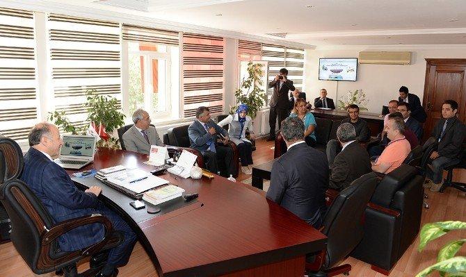 Vali Azizoğlu Çevre ve Şehircilik İl Müdürlüğünü ziyaret etti