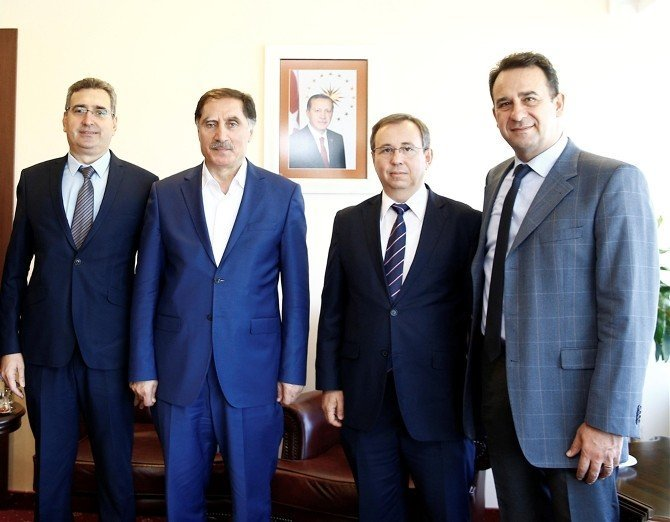 Cumhurbaşkanı Başdanışmanı Şeref Malkoç TÜ'yü ziyaret etti