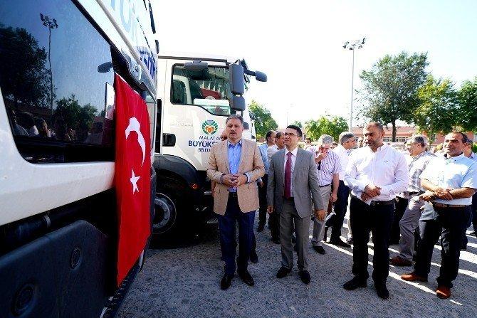 Büyükşehir Belediyesi araç filosu 13 araç ve iş makinesi ile daha da güçlendirildi