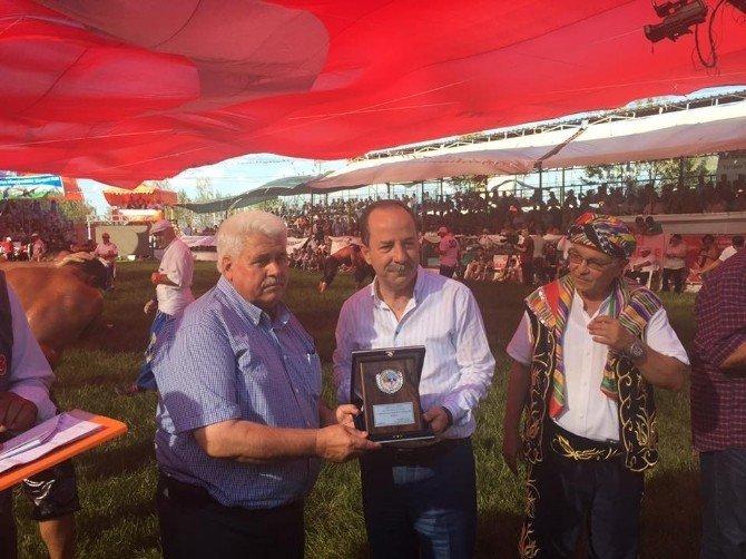 Edirne Belediye Başkanı Gürkan, Çardak güreşlerine katıldı