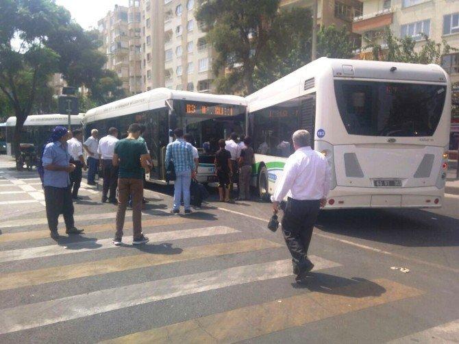Şanlıurfa'da belediye yolcu otobüsleri çarpıştı