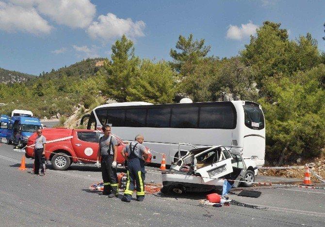 Antalya'da trafik kazası: Anne ve bebeği öldü