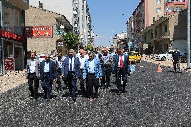 Büyükşehir Belediyesi Develi'nin caddelerini asfaltladı