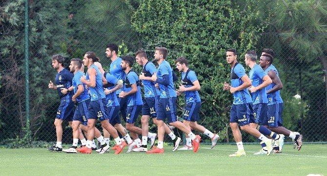 Fenerbahçe, Bursaspor maçı hazırlıklarına 11 eksikle başladı