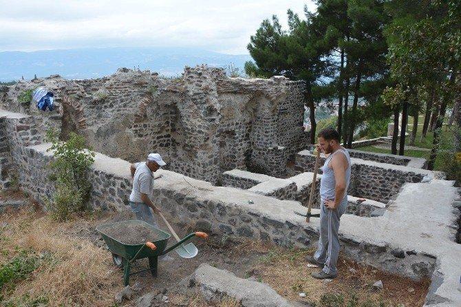 Niksar'da kale hamamı restore ediliyor