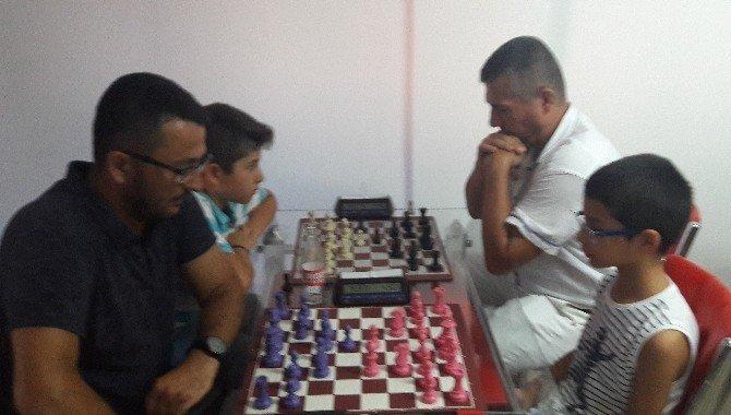 Serik'te Zafer Bayramı Yıldırım Satranç turnuvası